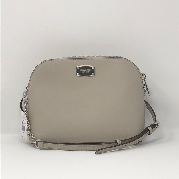 e9343ead704a 🌟New Authentic Mk Cindy LG Dome crossbody 🌟